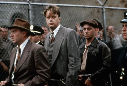 ショーシャンクの空に 映画「ショーシャンクの空に(1994)」 若き銀行の副頭取だったアンディ・